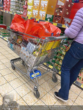 Corona Lokalaugenschein - Wien - Di 17.03.2020 - Hamsterkauf Hamsterkäufe trotz gut gefüllter Supermärkte Supe88