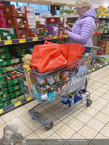 Corona Lokalaugenschein - Wien - Di 17.03.2020 - Hamsterkauf Hamsterkäufe trotz gut gefüllter Supermärkte Supe89