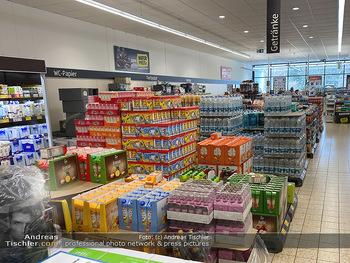 Corona Lokalaugenschein - Wien - Di 17.03.2020 - gut gefüllte Supermärkte Supermarkt Lieferkette, Lebensmittelh90