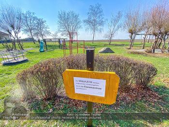 Corona Feature - Wien - Do 19.03.2020 - Spielplätze und Parks geschlossen wegen Coronavirus bei Frühli7