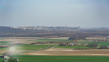 Fototour Großraum Hainburg - Hainburg, Carnuntum - Fr 27.03.2020 - Blick über die Grenze Donau nach Bratislava Slowakei von der Bu2