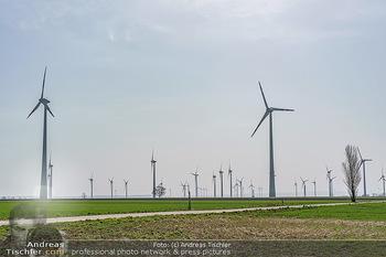 Fototour Großraum Hainburg - Hainburg, Carnuntum - Fr 27.03.2020 - Windräder Windpark Windradpark Stromerzeugung Umwelt Nachhaltig52