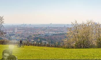 Corona Feature - Wien, NÖ - So 05.04.2020 - Blick im Frühling über Wien Wilhelminenberg Austria Trend Hote14