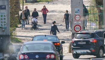Corona Feature - Wien, NÖ - So 05.04.2020 - Großer Andrang Spaziergänger Jogger Läufer Coronavirus Ausgan16