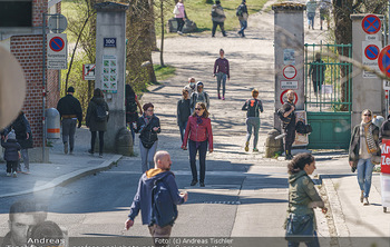 Corona Feature - Wien, NÖ - So 05.04.2020 - Großer Andrang Spaziergänger Jogger Läufer Coronavirus Ausgan20