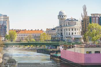 Corona Feature - Wien, NÖ - So 05.04.2020 - Urania Sternwarte am Wien Kanal Architektur Sehenswürdigkeit Ba21
