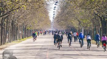 Corona Feature - Wien, NÖ - So 05.04.2020 - Großer Andrang Spaziergänger Jogger Läufer Radfahrer Coronavi27