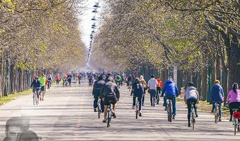 Corona Feature - Wien, NÖ - So 05.04.2020 - Großer Andrang Spaziergänger Jogger Läufer Radfahrer Coronavi28