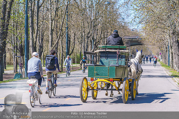 Corona Feature - Wien, NÖ - So 05.04.2020 - Großer Andrang Fiaker Jogger Läufer Radfahrer Coronavirus Ausg36