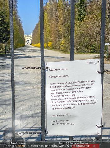 Corona Feature - Wien, NÖ - So 05.04.2020 - Schlosspark Schönbrunn geschlossen gesperrten Bundesgarten Bund49