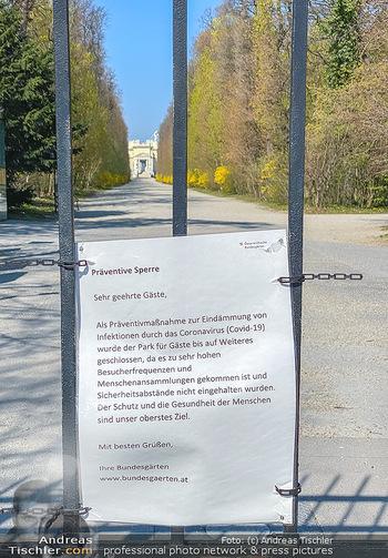Corona Feature - Wien, NÖ - So 05.04.2020 - Schlosspark Schönbrunn geschlossen gesperrten Bundesgarten Bund50