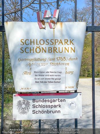 Corona Feature - Wien, NÖ - So 05.04.2020 - Schlosspark Schönbrunn geschlossen gesperrten Bundesgarten Bund51