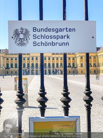 Corona Feature - Wien, NÖ - So 05.04.2020 - Schlosspark Schönbrunn geschlossen gesperrten Bundesgarten Bund58