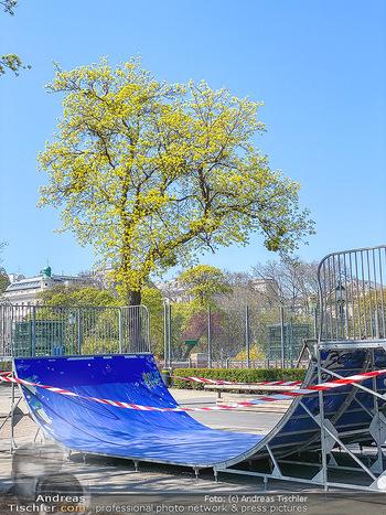 Corona Feature - Wien, NÖ - So 05.04.2020 - abgesperrte HalfPipe Spielplatz im Stadtpark wegen Coronavirus C64