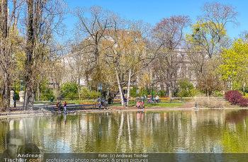 Corona Feature - Wien, NÖ - So 05.04.2020 - Natur Wasser Teich im Wiener Stadtpark Frühlingswetter Ausgangs79