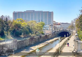 Corona Feature - Wien, NÖ - So 05.04.2020 - Wiental Kanal Wienflusspromenade beim Stadtpark Hotel Interconti83