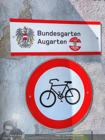 Corona Feature - Wien, NÖ - So 05.04.2020 - Augarten Wien geschlossen gesperrte Bundesgarten Bundesgärten C90