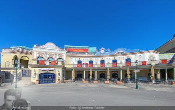 Corona Feature - Wien, NÖ - So 05.04.2020 - Madame Tussauds Vienna und Restaurant Eisvogel Wien blauer Himme97