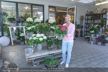 Promis während Corona - Wien - Mi 15.04.2020 - Kristina SPRENGER im Blumenfachgeschäft Gärtnerei Chwala Bad V33
