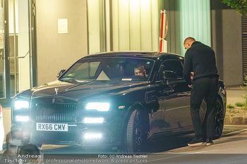 Marko Arnautovic Dreharbeiten - Wien - Mi 27.05.2020 - Bentley Mansory von Marko Arnautovic von außen5