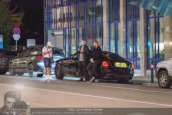 Marko Arnautovic Dreharbeiten - Wien - Mi 27.05.2020 - Marko ARNAUTOVIC vor seinem eigenen Bentley Mansory16