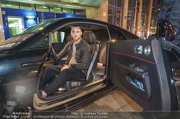 Marko Arnautovic Dreharbeiten - Wien - Mi 27.05.2020 - Marko ARNAUTOVIC in seinem eigenen Bentley Mansory17