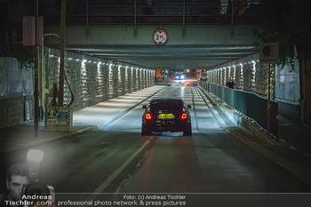 Marko Arnautovic Dreharbeiten - Wien - Mi 27.05.2020 - Dreharbeiten in der Unterführung, Marko Arnautovic am Steuer se20