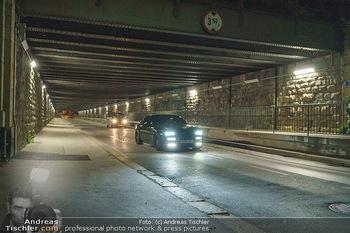 Marko Arnautovic Dreharbeiten - Wien - Mi 27.05.2020 - Bentley Mansory von Marko Arnautovic (am Steuer) von außen33