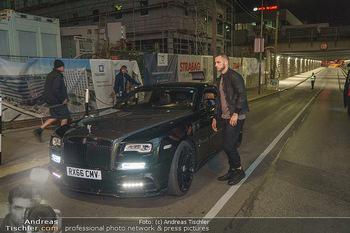 Marko Arnautovic Dreharbeiten - Wien - Mi 27.05.2020 - Marko ARNAUTOVIC vor seinem eigenen Bentley Mansory35
