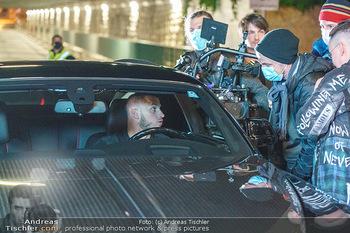 Marko Arnautovic Dreharbeiten - Wien - Mi 27.05.2020 - Marko ARNAUTOVIC am Steuer seines eigenen Bentley Mansory52