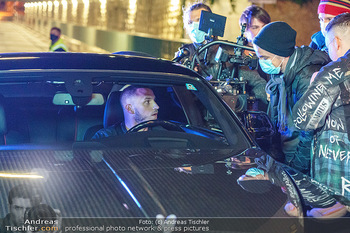 Marko Arnautovic Dreharbeiten - Wien - Mi 27.05.2020 - Marko ARNAUTOVIC am Steuer seines eigenen Bentley Mansory53