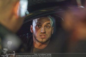 Marko Arnautovic Dreharbeiten - Wien - Mi 27.05.2020 - Marko ARNAUTOVIC am Steuer seines eigenen Bentley Mansory58