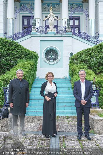 Dinner Empfang im kleinen Rahmen - Fuchs Villa, Wien - Fr 29.05.2020 - Hermann PÜTTMER, Johanna MIKL-LEITNER, Tillmann FUCHS mit Coron25