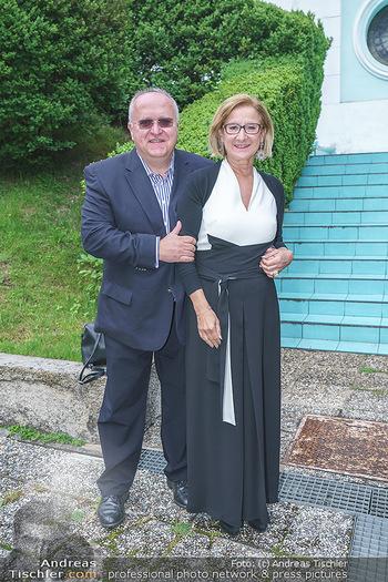 Dinner Empfang im kleinen Rahmen - Fuchs Villa, Wien - Fr 29.05.2020 - Johanna MIKL-LEITNER mit Ehemann Andreas29