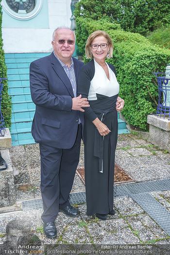 Dinner Empfang im kleinen Rahmen - Fuchs Villa, Wien - Fr 29.05.2020 - Johanna MIKL-LEITNER mit Ehemann Andreas30