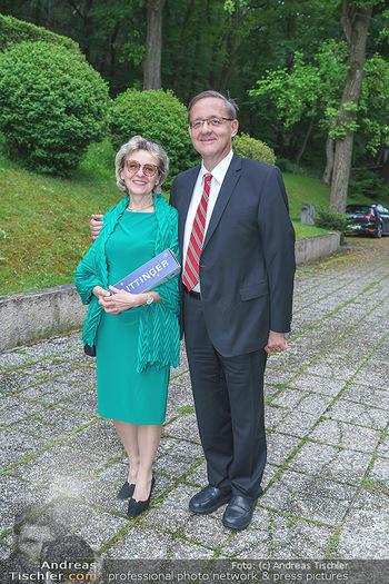 Dinner Empfang im kleinen Rahmen - Fuchs Villa, Wien - Fr 29.05.2020 - Günther OFNER mit Ehefrau34