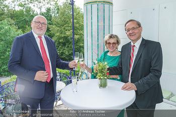 Dinner Empfang im kleinen Rahmen - Fuchs Villa, Wien - Fr 29.05.2020 - Andreas MATTHÄ, Günther OFNER mit Ehefrau45