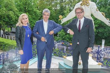 Dinner Empfang im kleinen Rahmen - Fuchs Villa, Wien - Fr 29.05.2020 - Wolfgang und Brigitte HESOUN, Gerald GERSTBAUER bei Corona-konfo54