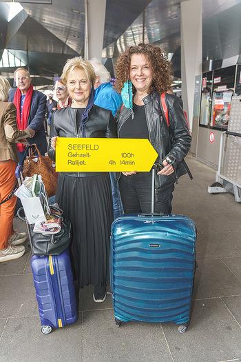 Künstler Abreise nach Seefeld - Hauptbahnhof, Wien - Do 11.06.2020 - Ildiko RAIMONDI, Angelika KIRCHSCHLAGER21