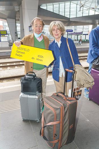 Künstler Abreise nach Seefeld - Hauptbahnhof, Wien - Do 11.06.2020 - Xenia HAUSNER, Lothar WESEMANN26