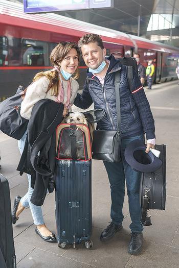 Künstler Abreise nach Seefeld - Hauptbahnhof, Wien - Do 11.06.2020 - Julia RACHLIN, Sarah MCELRAVY34