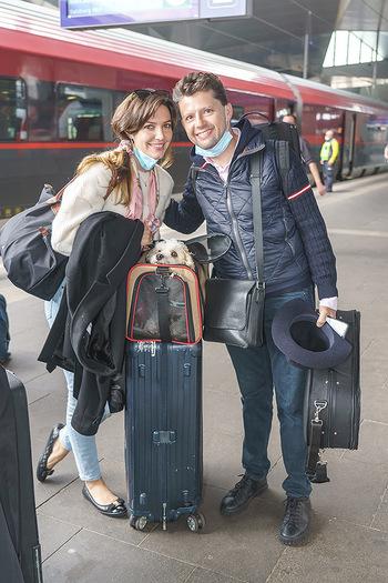 Künstler Abreise nach Seefeld - Hauptbahnhof, Wien - Do 11.06.2020 - Julia RACHLIN, Sarah MCELRAVY35