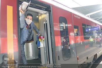 Künstler Abreise nach Seefeld - Hauptbahnhof, Wien - Do 11.06.2020 - Clemens UNTERREINER38