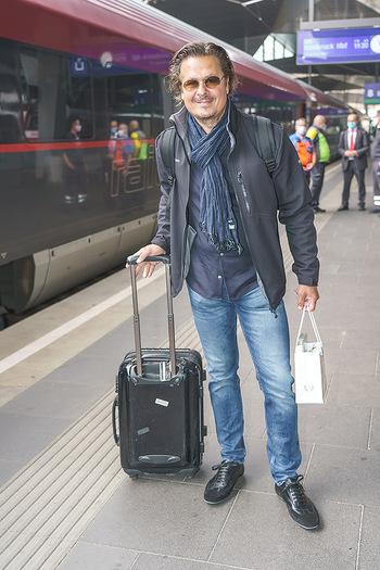 Künstler Abreise nach Seefeld - Hauptbahnhof, Wien - Do 11.06.2020 - Michael DANGL44