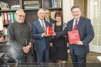 Ewald Plachutta Geburtstag - Brandstätter Verlag, Wien - Mo 15.06.2020 - Christian BRANDSTÄTTER mit Sohn Niki (Nikolaus), Ewald und Eva 5