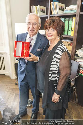 Ewald Plachutta Geburtstag - Brandstätter Verlag, Wien - Mo 15.06.2020 - Ewald PLACHUTTA mit Ehefrau Eva16