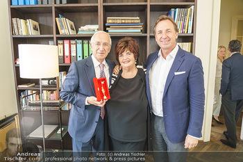 Ewald Plachutta Geburtstag - Brandstätter Verlag, Wien - Mo 15.06.2020 - Familie Ewald PLACHUTTA mit Ehefrau Eva und Sohn Mario29