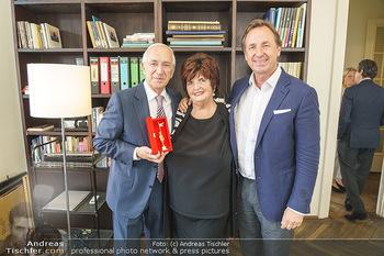Ewald Plachutta Geburtstag - Brandstätter Verlag, Wien - Mo 15.06.2020 - Familie Ewald PLACHUTTA mit Ehefrau Eva und Sohn Mario30