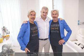 Botox Boys auf Beautytour - Privatklinik Worseg und John Harris - Di 16.06.2020 - BOTOX-BOYS (Botoxboys, Wess brothers) Arnold und Oskar WESS, Art19