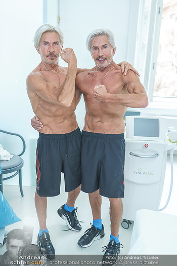 Botox Boys auf Beautytour - Privatklinik Worseg und John Harris - Di 16.06.2020 - BOTOX-BOYS (Botoxboys, Wess brothers) Arnold und Oskar WESS72